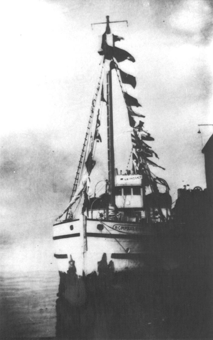 Ship at Evans-Coleman dock in Vancouver, October 17, 1944. Item number: HSDO-40-08.