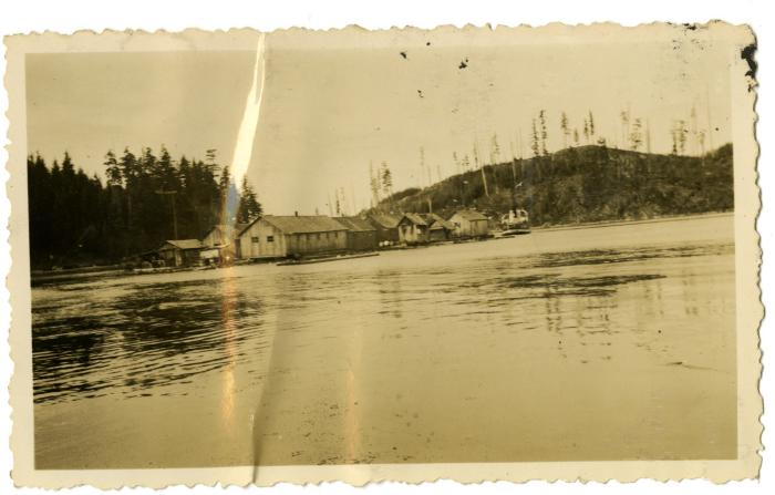 Clay Anderson's Logging Camp floating out of Granite Bay (VMM71.54)