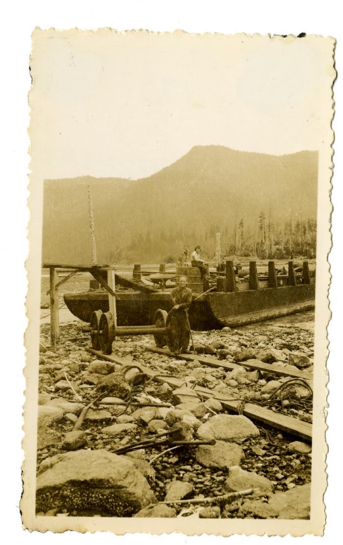 Scow Amigo salvaging scrap iron, Port Neville (VMM71.62)