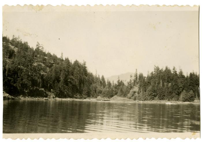 Fred Benson's logging camp, Deepwater Bay, Quadra Island (VMM71.43)